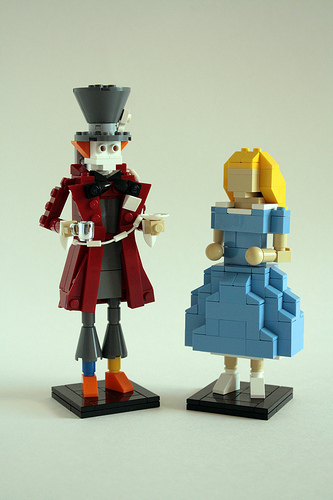 LEGO Alice in Wonderland Miniland figures