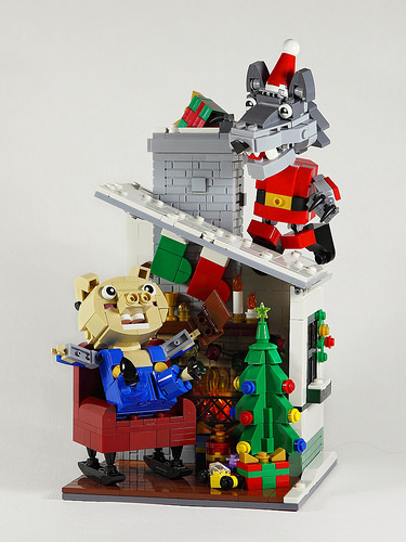 nEO_IMG_DOGOD_Santa wolf and his little pig friend_01