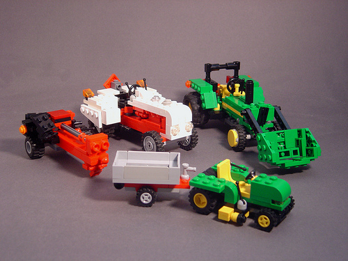 LEGO Mdrn~Mrvls farm machinery