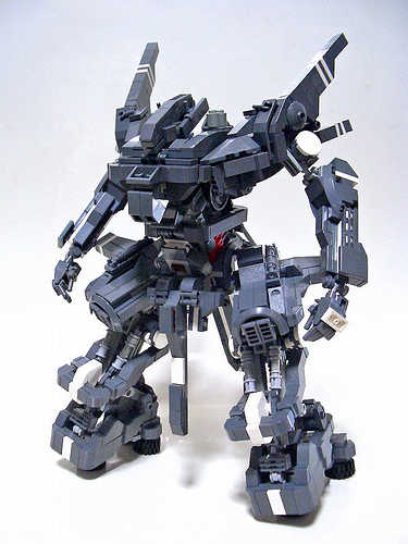 LEGO mecha by Izzo