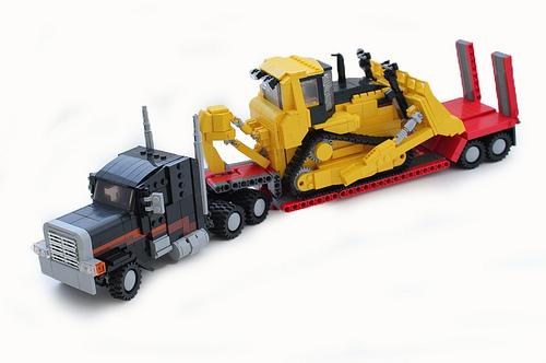 Peterbilt 379, Caterpillar D10r Bulldozer.