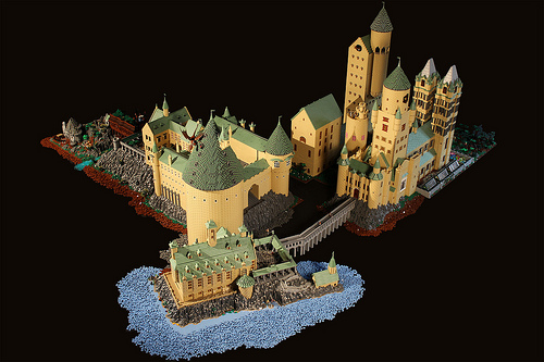 Alice Finch Builds Massive Lego Hogwarts From 400000 Bricks Photos