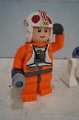 Life-size LEGO X-wing (2)