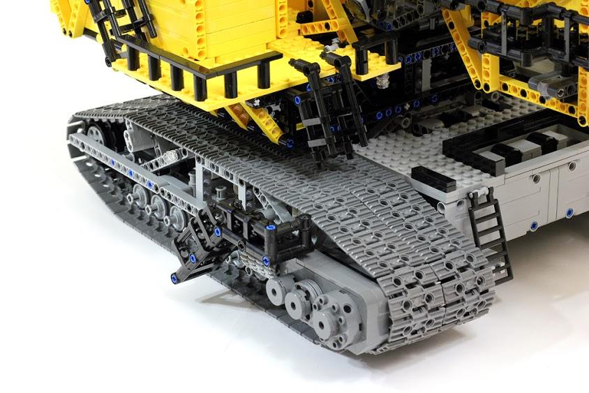 LEGO Technic ER-1250 bucket wheel excavator detail