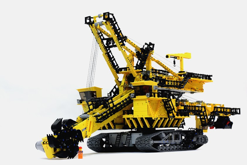 LEGO Technic ER-1250 bucket wheel excavator with minifig for scale