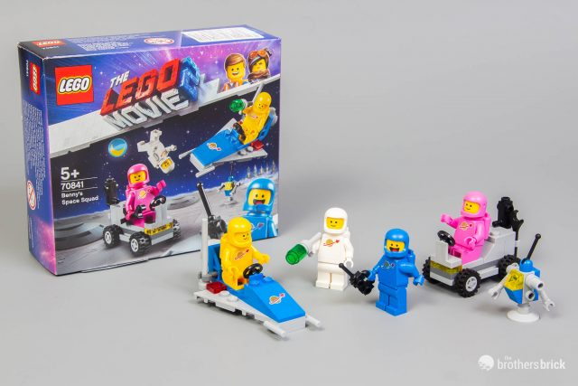 LEGO-MINIFIGURES SERIES 2 THE LEGO MOVIE JENNY WITH FREE BLACK BACE