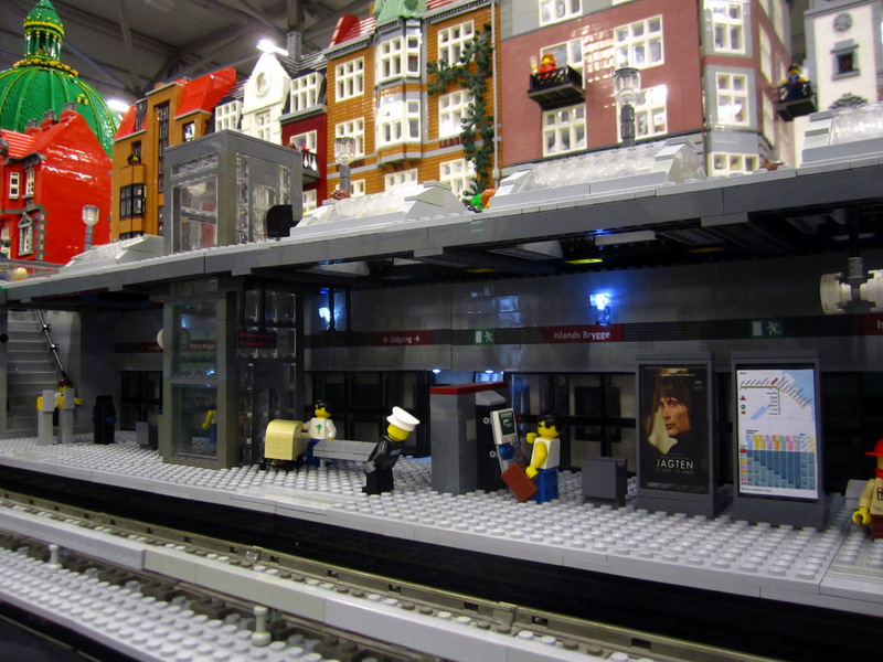 Lego Underground Train With Working Platform And Train