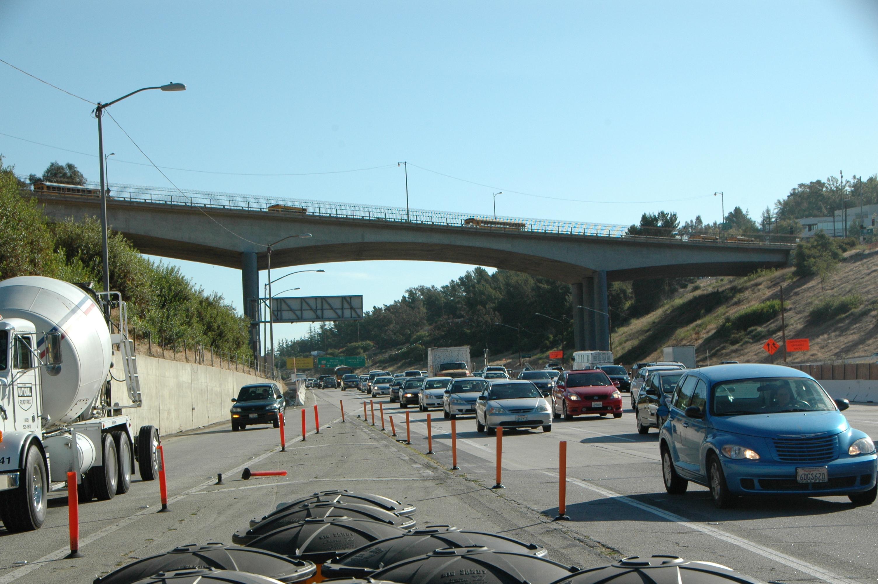 La segunda parte de la demolición del puente Mulholland será en 11 meses. (Foto José Ubaldo/El Pasajero)