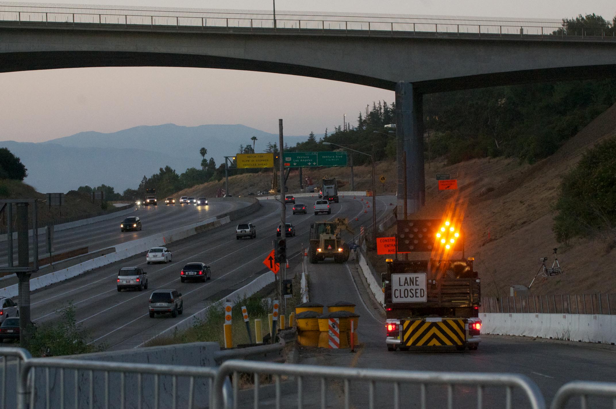 Puente Mulholland antes de los trabajos de demolición. (Foto Gary Leonard/El Pasajero)