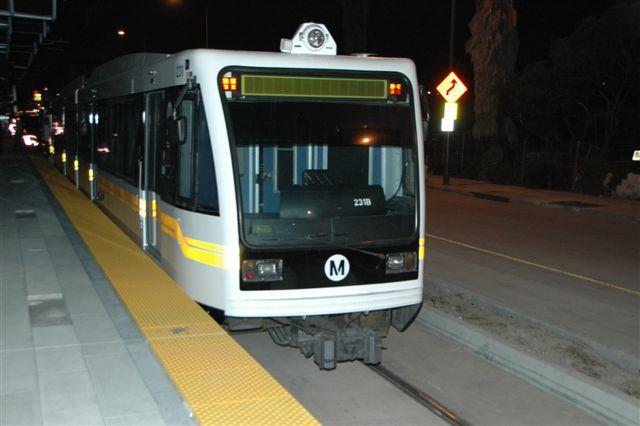 Metro continua las pruebas de trenes y sistemas en la futura línea del tren ligero Expo. (foto José Ubaldo/El Pasajero)