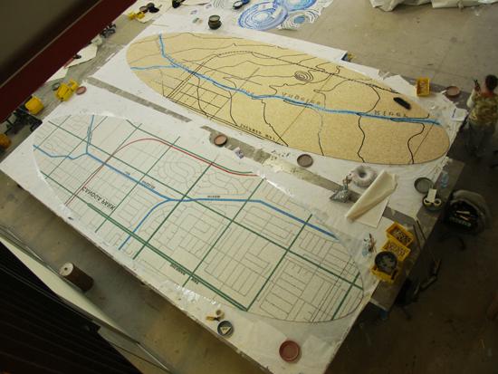 Los mapas de mosaico completos y listos para empaquetados y transportados a los sitios de trabajo.