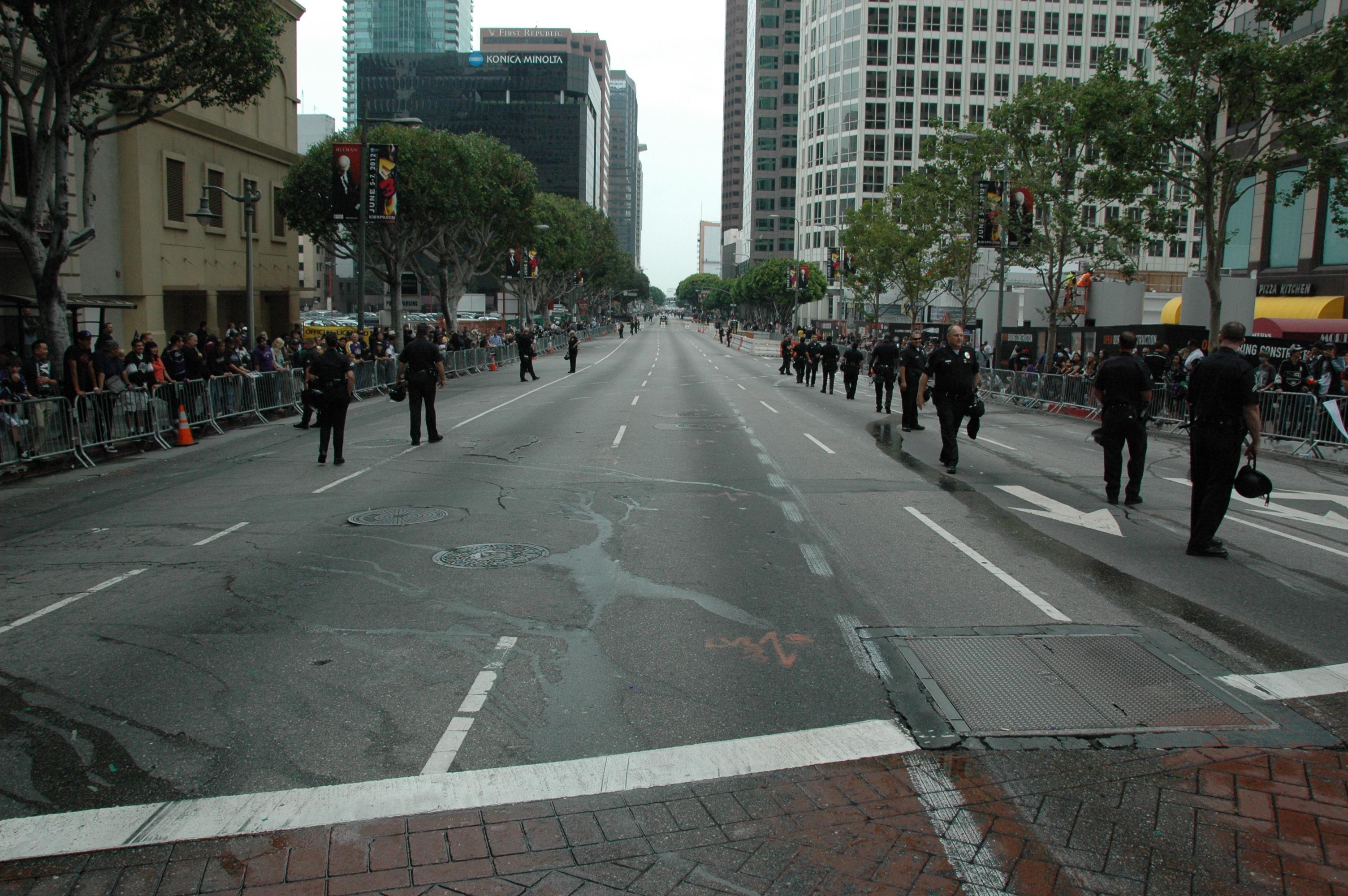 Un aspecto de la calle Figueroa hacia Staples Center de la esquina con la calle 7th. (Foto José Ubaldo/El Pasajero).