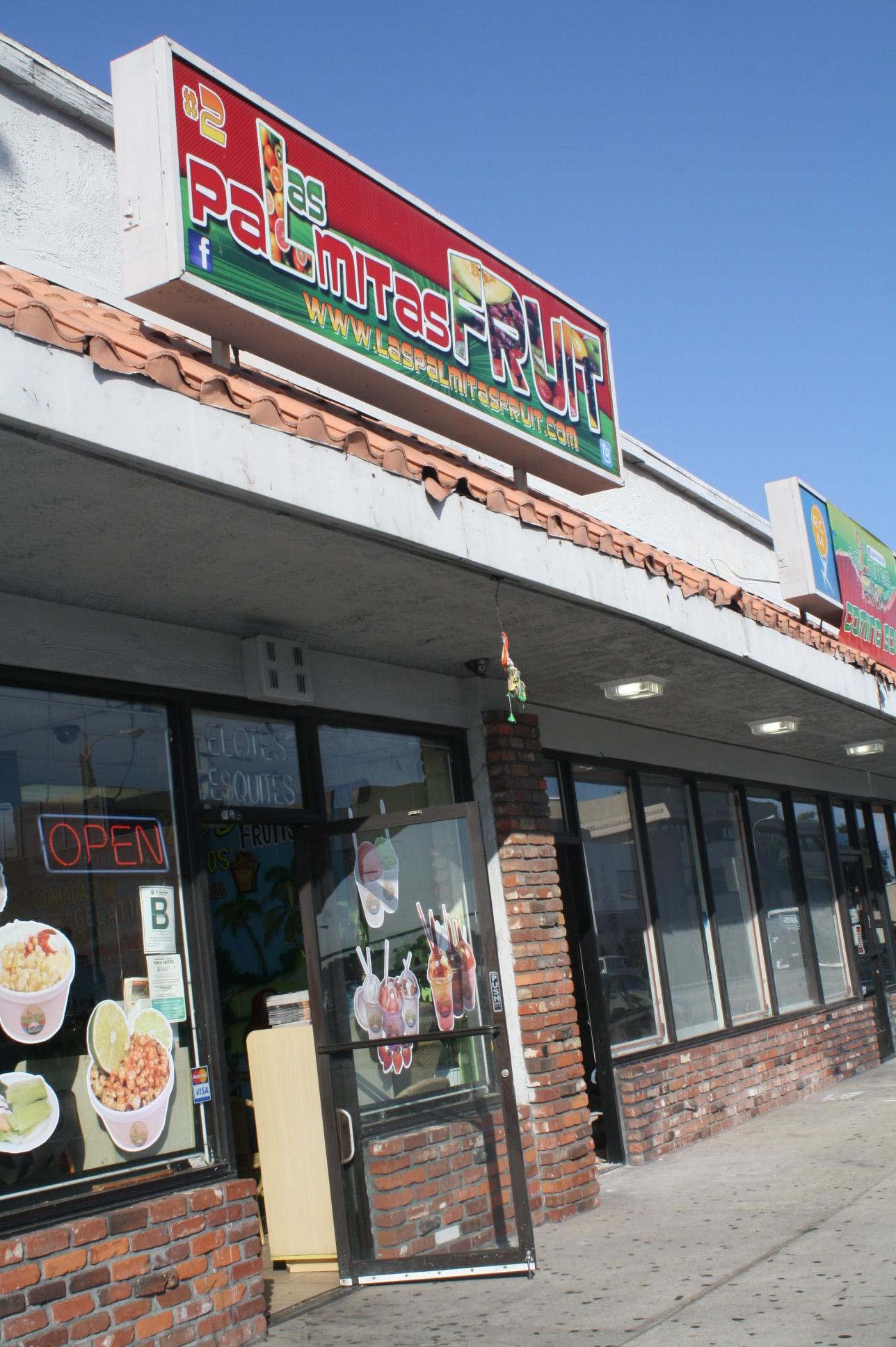 Las Palmitas Fruit en Downey. (Foto Agustín Durán/El Pasajero).