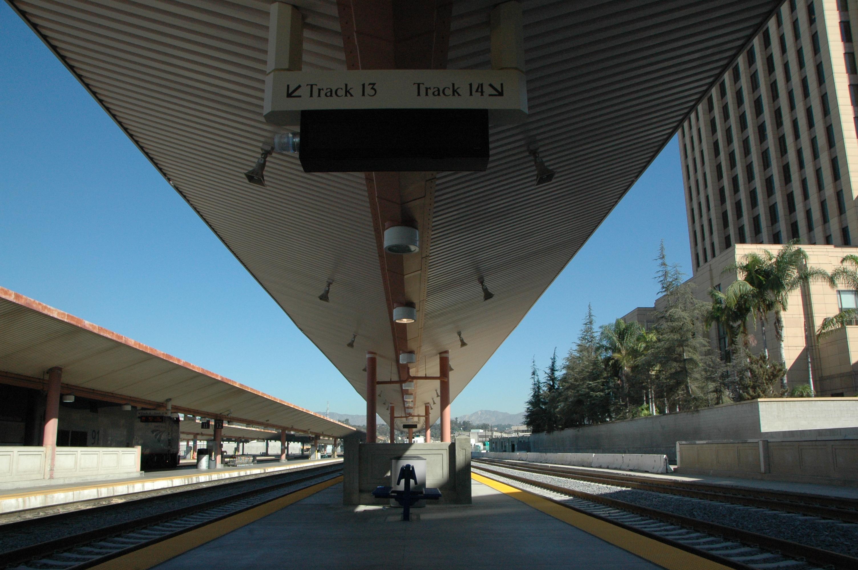 Otro aspecto de la plataforma 13 y 14 en Union Station. (Foto José Ubaldo/El Pasajero).