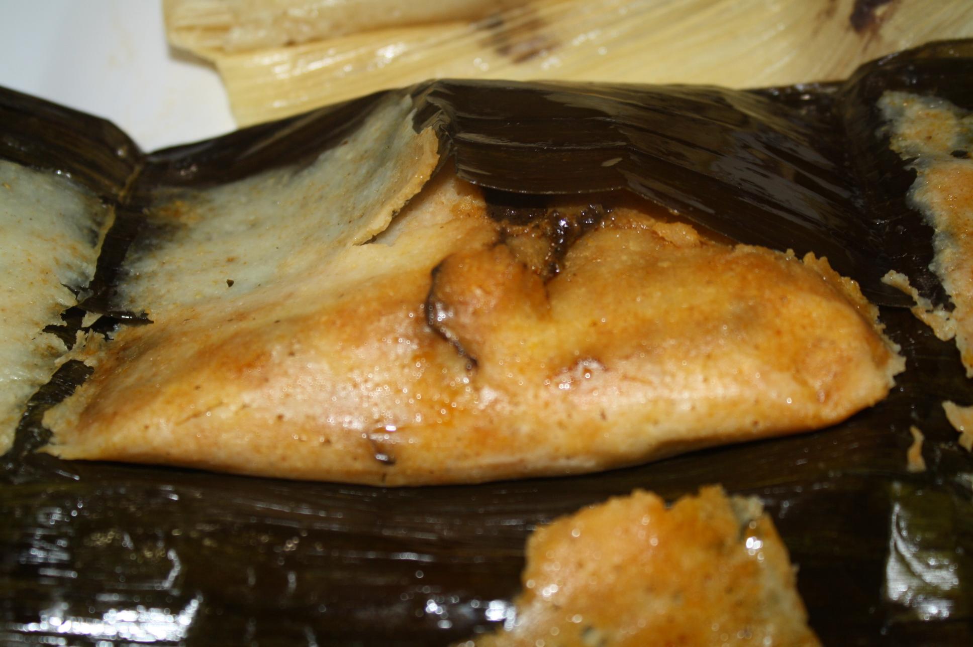 Tamal de mole en el restaurante Oaxacalifornia. (Foto de Agustín Durán/El Pasajero)