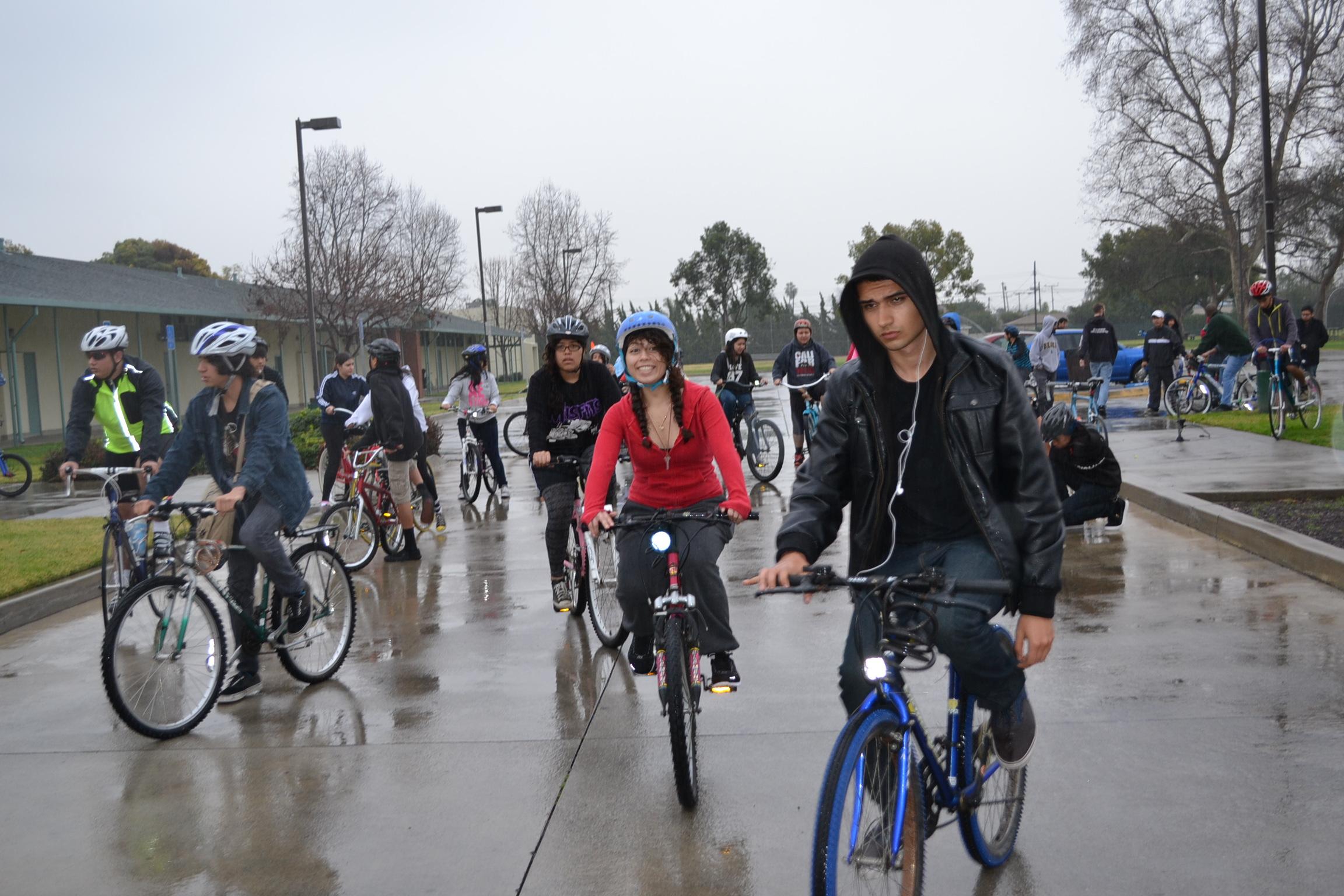 Llueve, truene o relampaguee, el evento se llevará acabo el sábado a las 10 a.m., en Westwood. (Foto de Agustín Durán/El Pasajero)