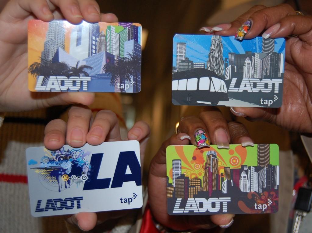 Diseños actuales de las tarjetas TAP de LADOT.