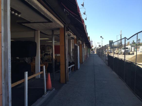 Vista de la zona de construcción en el lado este de Crenshaw Boulevard, cerca de Martin King Boulevard. Foto: José Ubaldo/Metro.