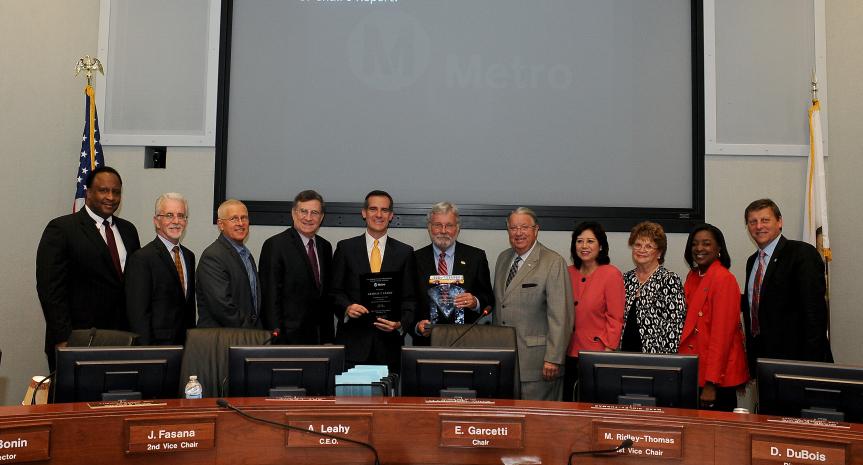 La Junta Directiva de Metro rindió hoy homenaje a Art Leahy quien asistió por última vez a las reuniones mensuales como director general ejecutivo de Metro. Foto: Juan Ocampo/Metro.