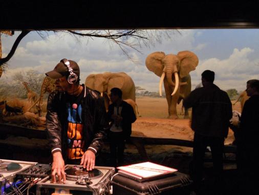 El actor Aaron Byrd en el Museo de Historia Natural. Foto: Peach Impediment via Flickr creative commons.
