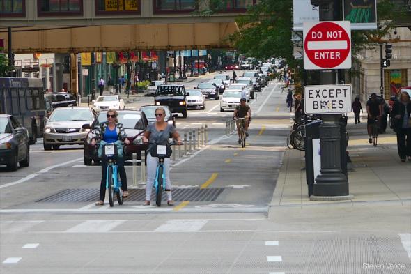 Ciclistas en las calles de Chicago. Foto: