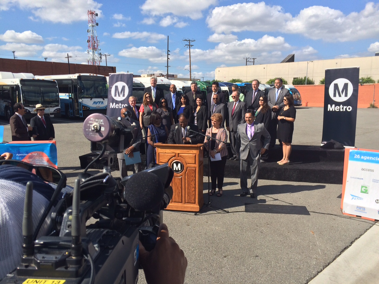 Aspecto del evento de prensa en el que se anunció la aprobación de las tarjetas TAP por parte de las 26 agencias de transporte en el condado de L.A. Foto: José Ubaldo/Metro.