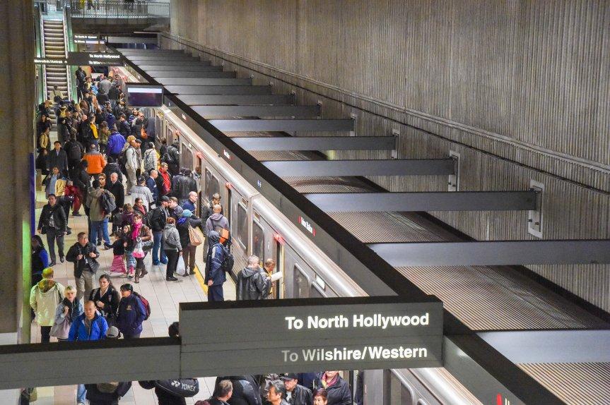 Línea Roja de Metro. Foto: Steve Hamon.