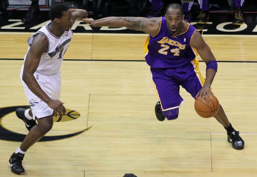 Kobe Bryant contra los Wizards. Foto: Keith Allison via Flickr.