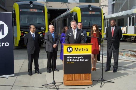 Al frente, John Fasana, presidente de la Junta de Metro.