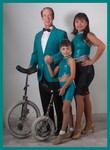 Davisonfamilyjuggler 01