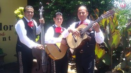 Trio acapulco 01