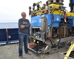 Rob Fatland hanging out with Jason on the deck of the R/VRoger Revelle. Credit: M. Elend, University of Washington, V18.