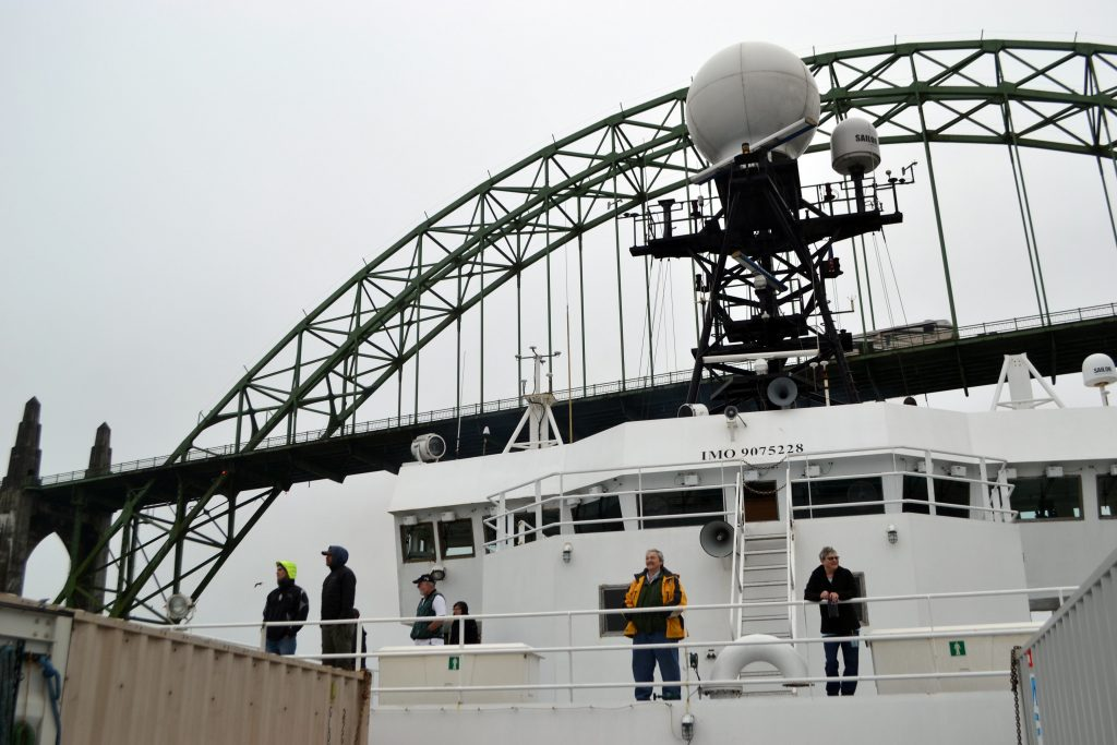 The R/V Revelle comes into Newport, Oregon under misty-foggy skies at the end of the UW-OOI-NSF Regional Cabled Array operations and maintenance cruise. Credit: M. Elend, University of Washington, V17.