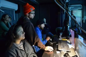 University of Washington School of Oceanography undergraduate students, Katie Gonzalez and Willem Weertman document the Pythias Oasis dive. Credit: M. Elend, University of Washington, V17.