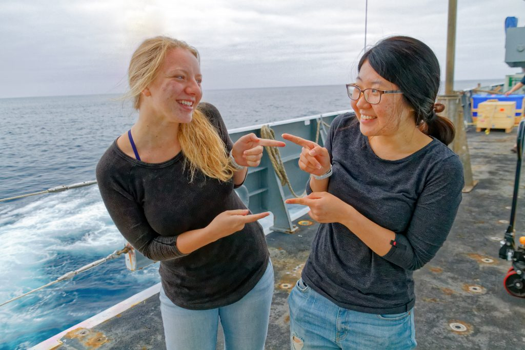 Malea and Diana laugh, recognizing they both dressed alike during a morning on the R/V Thompson expedition. Credit: Ed McNichol, V15.