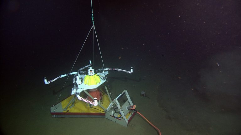 The Horizontal Electrometer-Pressure-Inverted Echosounder (HPIES -HPIESA101) installed at the Slope Base site. Photo credit: NSF-OOI/UW/CSSF; Dive R1757; V14.