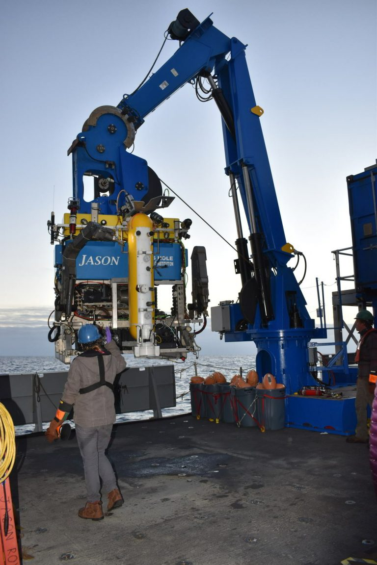 The Deep Profiler vehicle is launched with Jason for installation on the mooring at Axial Base. Credit: University of Washington, V20.