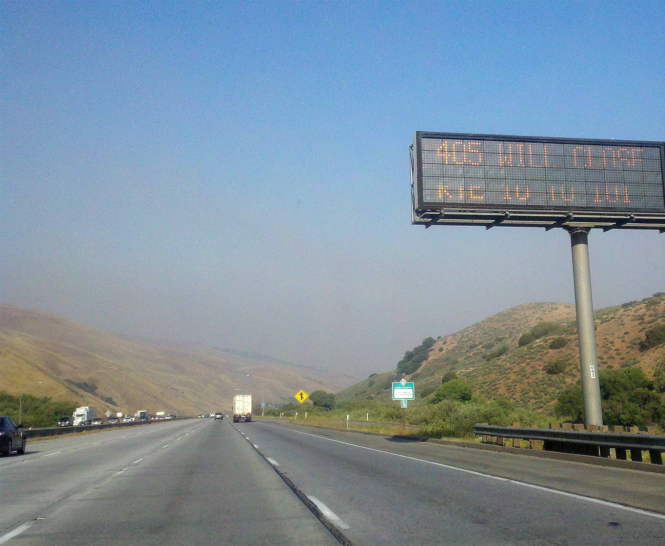 Freeway message signs putting out word on upcoming 405