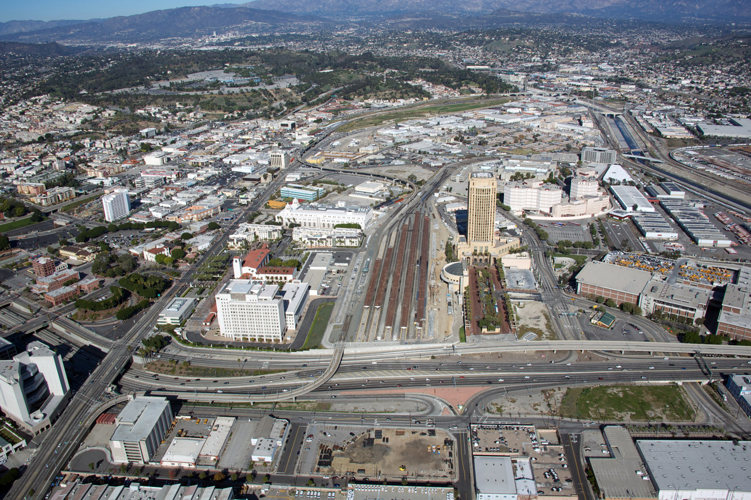 ULI Panel: As the regional transit hub, Union Station connects five southern California counties with multiple rail and commuter lines, including Amtrak, Metro Rail, and Metrolink as well as Metro and other tranist buses.