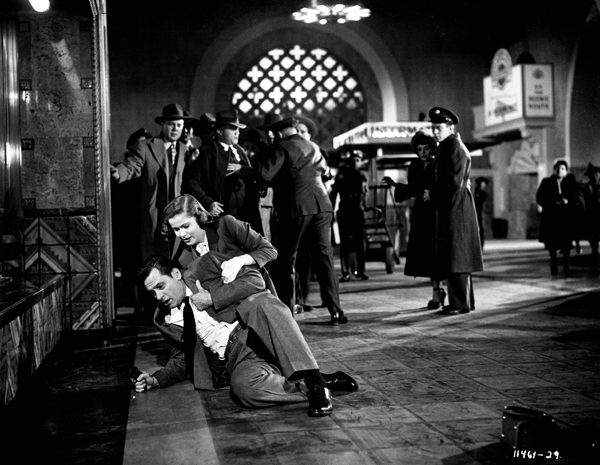 Still from Union Station, the 1950 film in which Los Angeles' station plays its Chicago counterpart of the same name. No mere backdrop, the director filmed extensively throughout the station. Courtesy of Paramount Pictures.