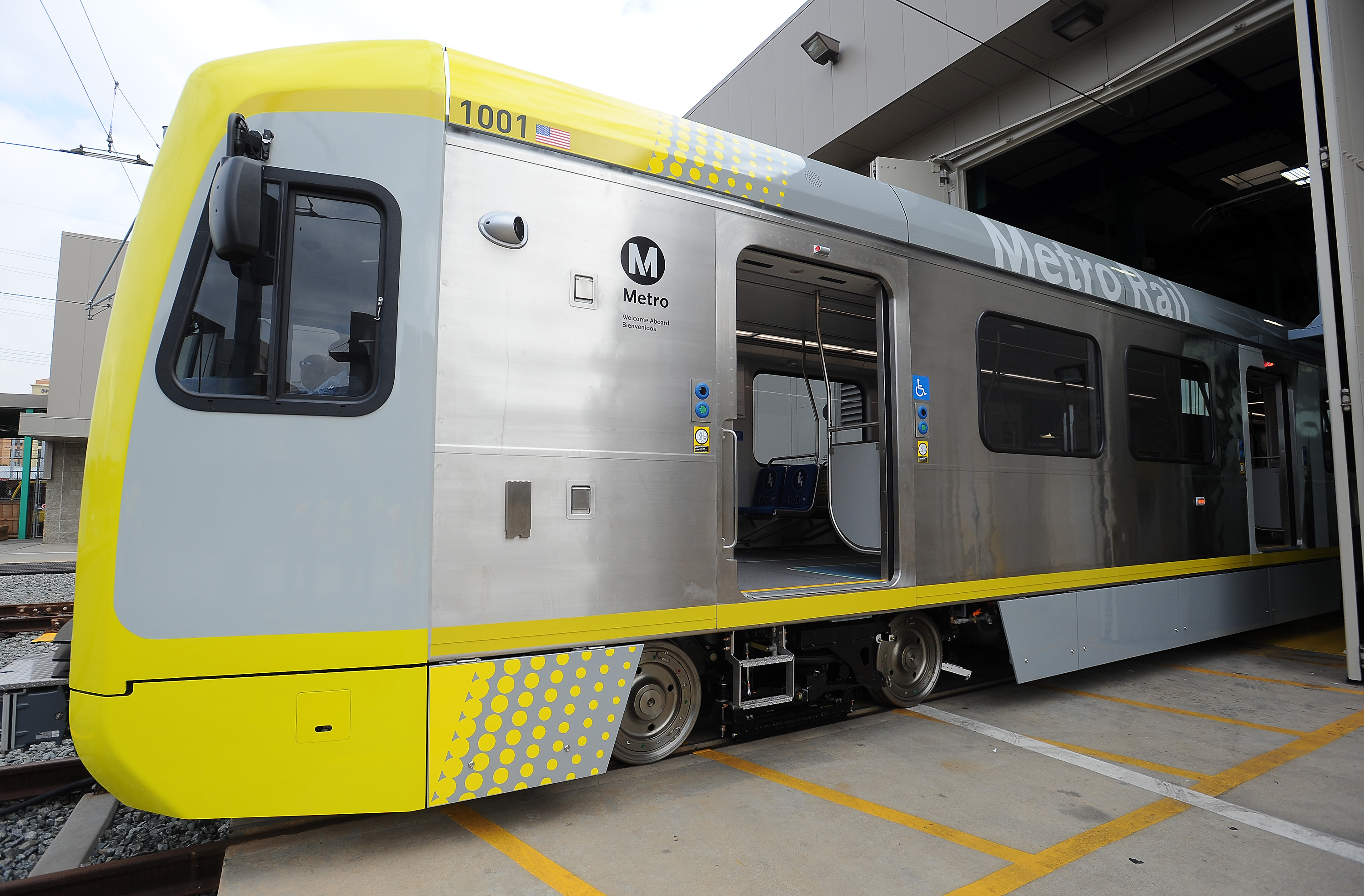 Gold And Expo Lines New Rail Cars