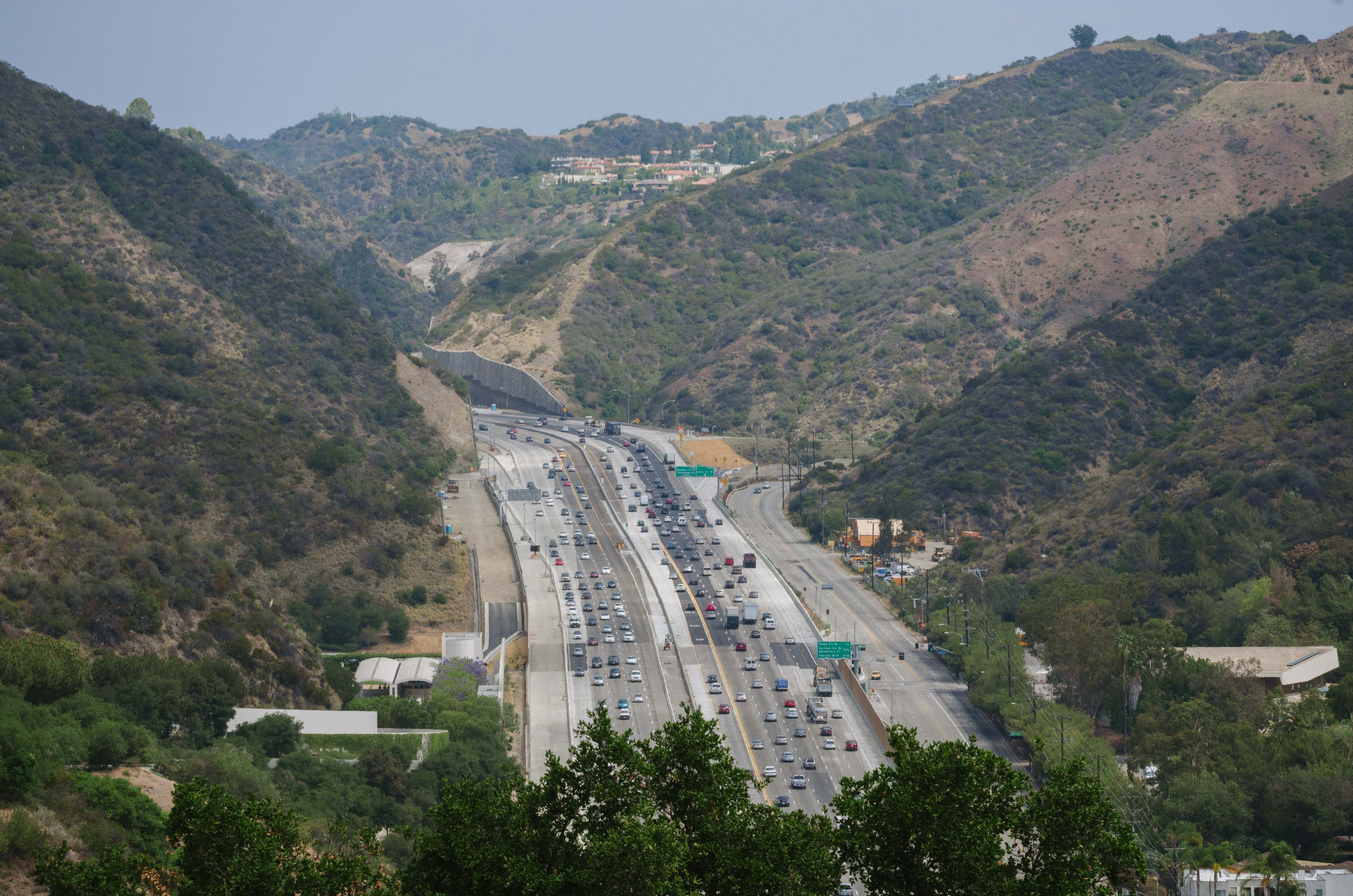 Study finds 405 traffic flowing better over pass - The Source