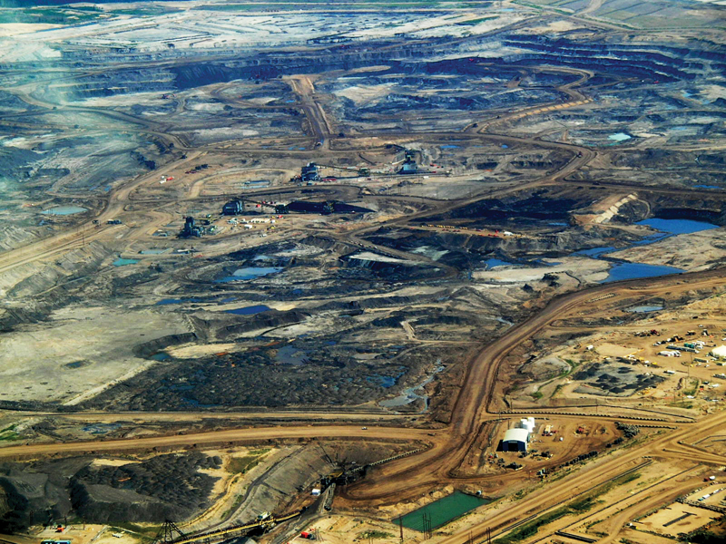 A 2008 photo of a tar sands oil field in Alberta. Photo: Wikimedia.