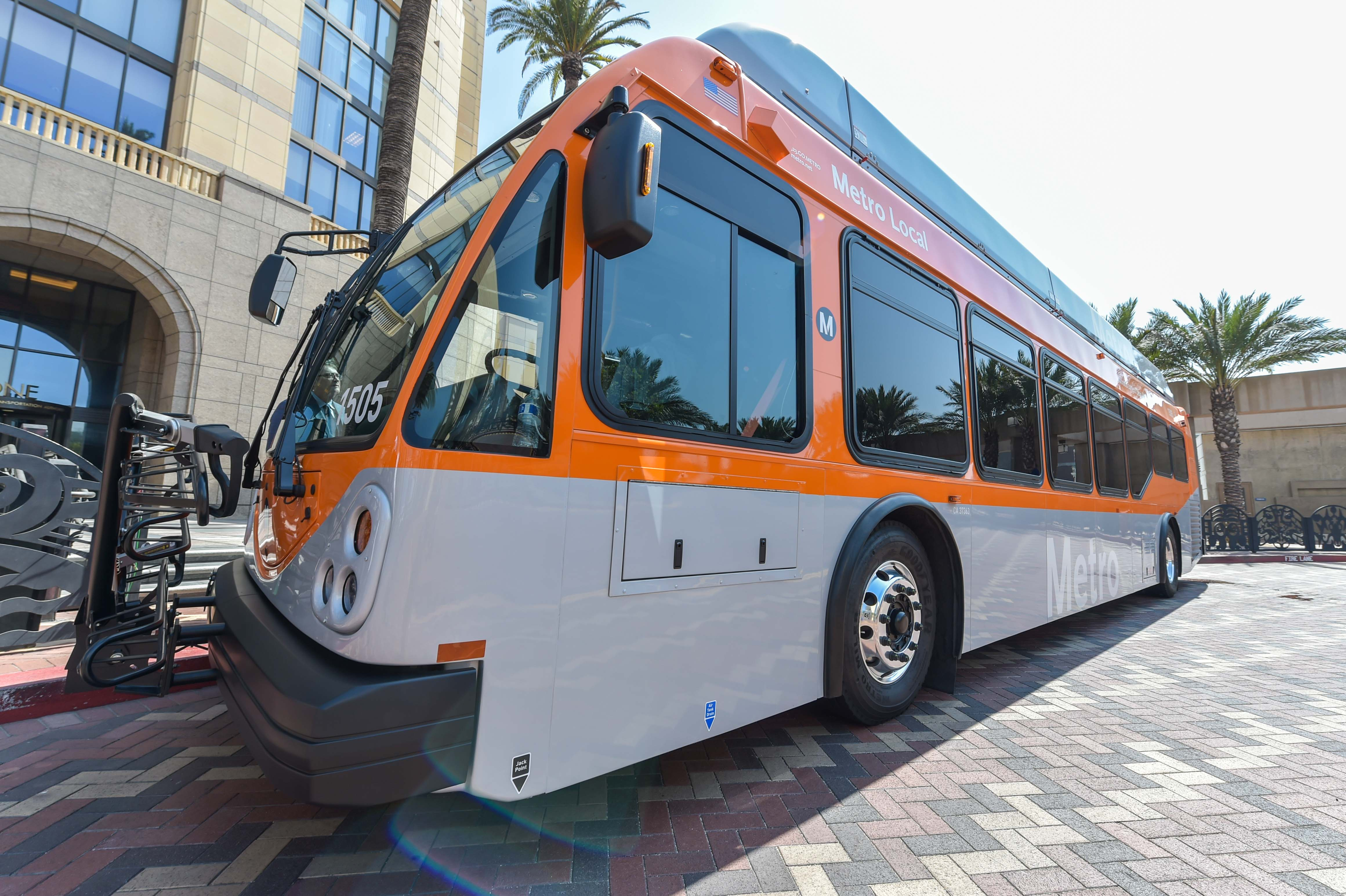 Metro takes delivery of first bus with USB chargers - The Source