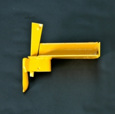 618-kwikstage-1-board-hop-up-bracket_2555.jpg