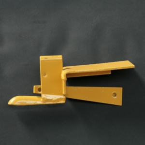 609-kwikstage-end-toe-board-bracket.jpg