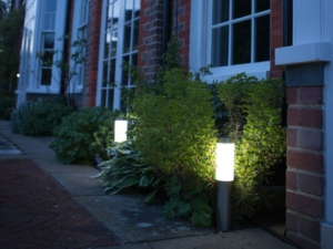 London XT Solar LED Post Lights (Set Of 2)