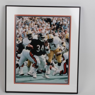 Chicago Bears - Walter Payton Signed 22x26 Photo Display - Player Hologram