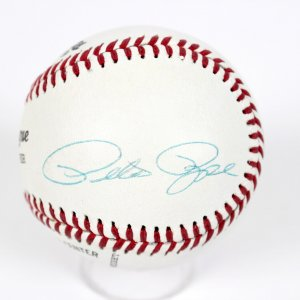 Cincinnati Reds Pete Rose Signed Baseball