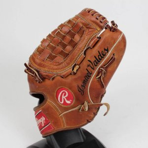 "Los Angeles Dodgers - Ismael Valdez ""The Rocket"" Game- Worn Rawlings Glove"
